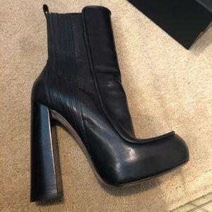 Vera wang platform boots